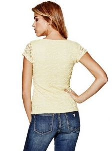 GUESS vršek Vicki Lace Top žlutá