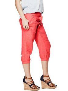 GUESS capri kalhoty Lilybet Linen Capris korálová