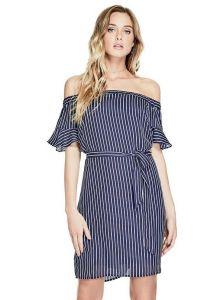 GUESS šaty Ameera Off-The-Shoulder Dress modrá II. jakost