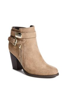 GUESS boty Fury Faux-Suede Booties